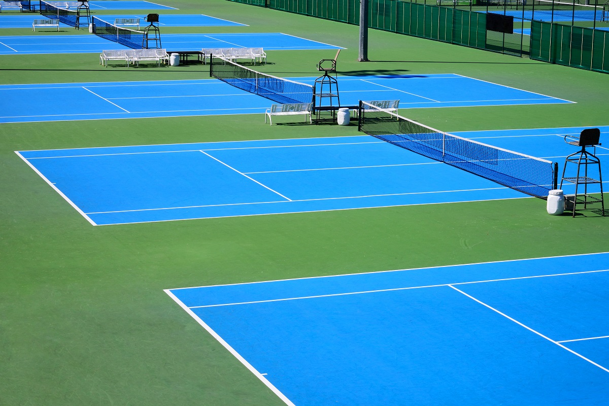 Long Island tennis players have great choices when it comes to where to play tennis. Below is a list of Long Island Tennis Magazine's top clubs and programs with descriptions of what each has to offer.