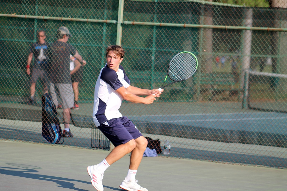 Hewlett's Stephan Gershfeld gets ready to hit a backhand during the Nassau County Singles Championship.