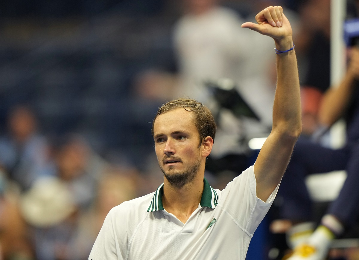 Daniil Medvedev is into the U.S. Open third round for a fourth straight year.