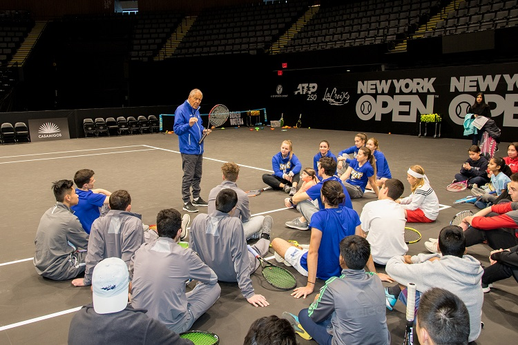 Nick Bollettieri speaks to attendees during a clinic at the 2019 New York Tennis Expo.