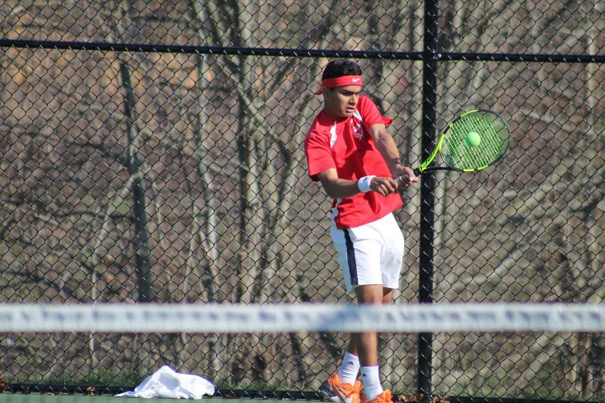 The defending Suffolk County champion Half Hollow Hills East defeated Commack 4-3 in a huge mid-season Suffolk League 1 matchup on Wednesday afternoon.