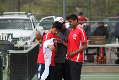 Syosset completed its second straight undefeated regular season with a 5-2 win over Cold Spring Harbor on Monday.