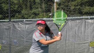 Caroline Lee won at first singles to help lead Syosset to the 4-3 win over Roslyn.