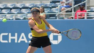 Ukraine's Elina Svitolina powered past the daunting 100-plus degree heat and an in-form Tatjana Maria to reach the U.S. Open third round on Wednesday, winning 6-2, 6-3