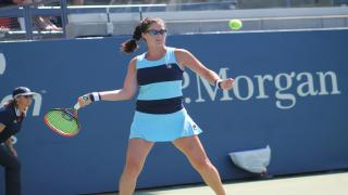 New Yorker Jamie Loeb powered her way into the final round of U.S. Open qualifiers with a 6-4, 6-4 victory over 18th-seeded Belgian Ysaline Bonaventure on Thursday