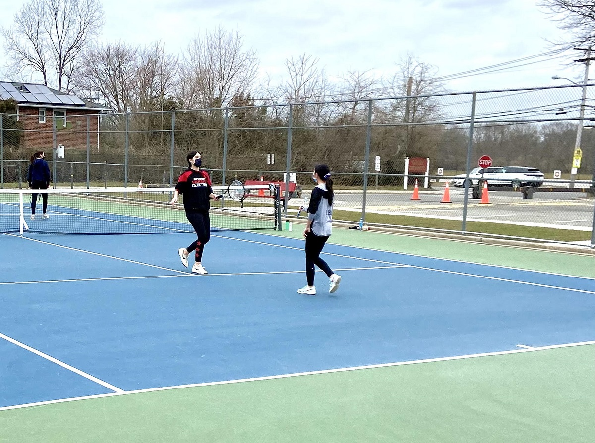 Syosset got a total team effort to defeat Great Neck North on Wednesday.