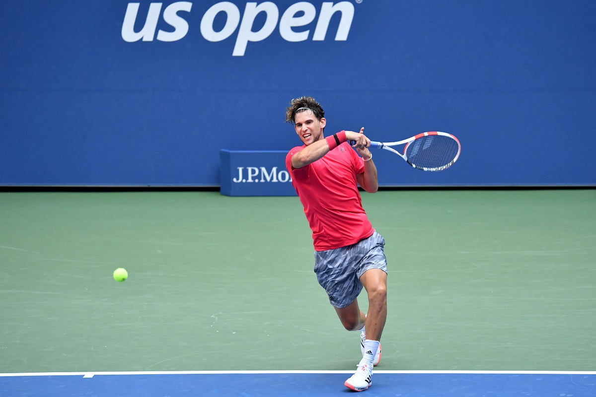 Recent U.S. Open champion Dominic Thiem had no issues in advancing to the final 16 in Paris on Friday.